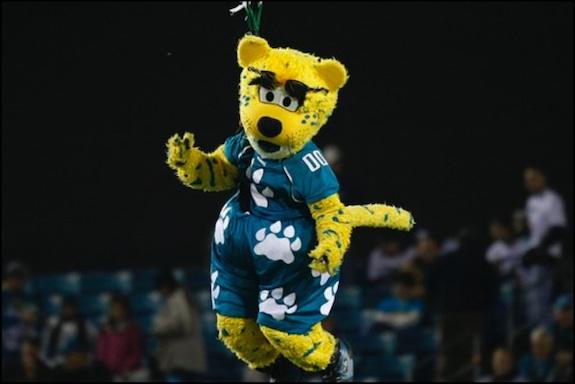 Jacksonville Jaguars Mascot Loses Bet Tries - image 4