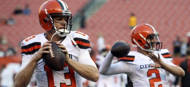 Jets sign Josh McCown, solve none of their problems